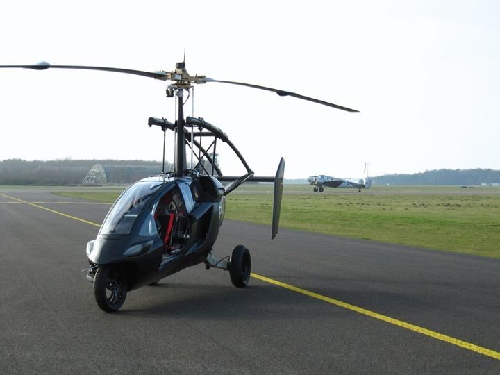 Летающий автомобиль PAL V запустят в продажу в 2014 году
