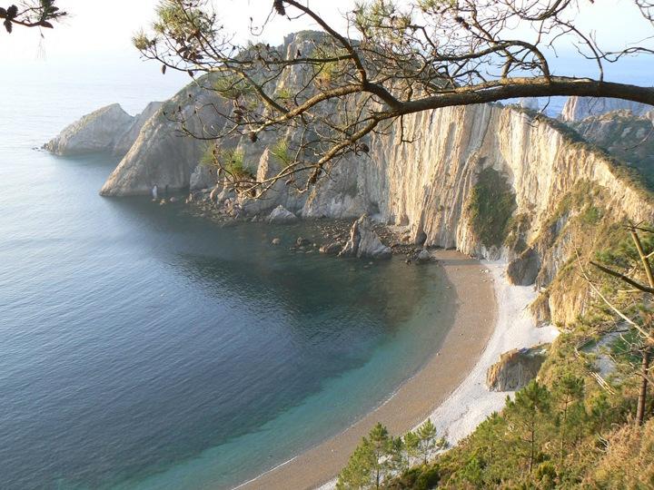 Пленительные астурианские пляжи в Испании