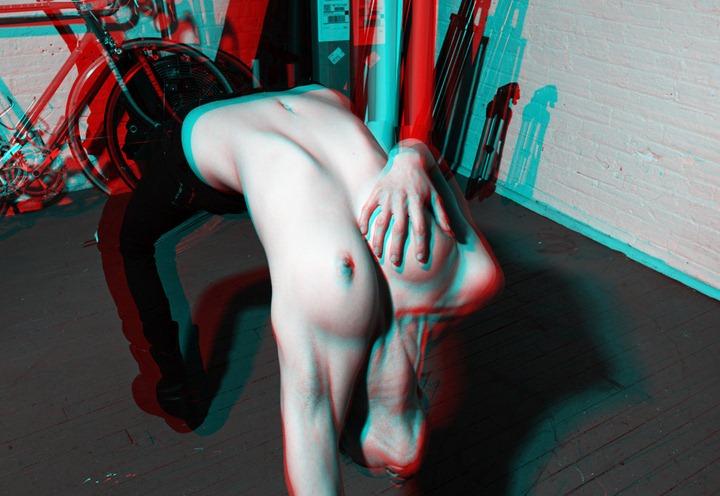 Фотографии: из серии Женская грудь 3-D Henry Hargreaves .