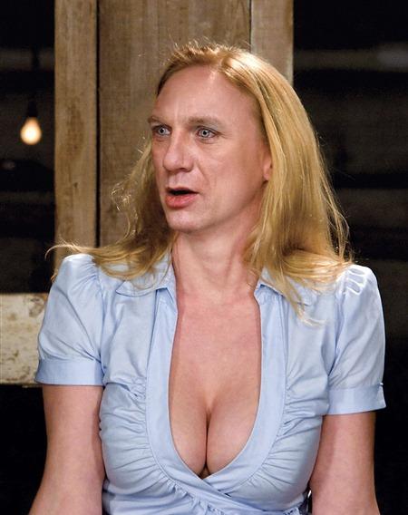 Daniel-Craig-as-a-Woman--54575