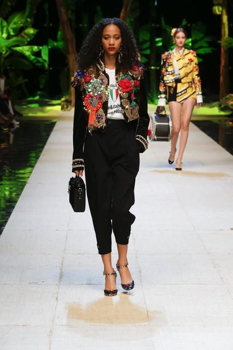 Показ Dolce & Gabbana весна лето 2017 в Милане
