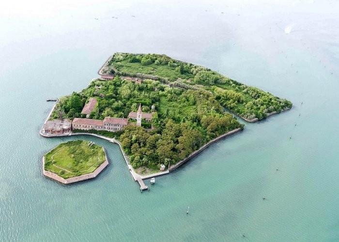 Остров чумы Повелья