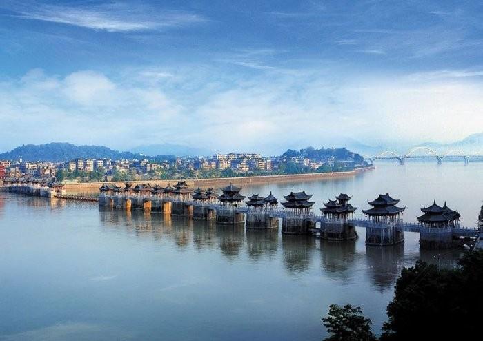 Плавающий мост в Китае