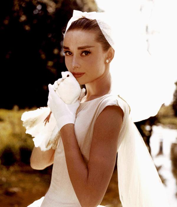 Самые красивые свадебные платья культового кино