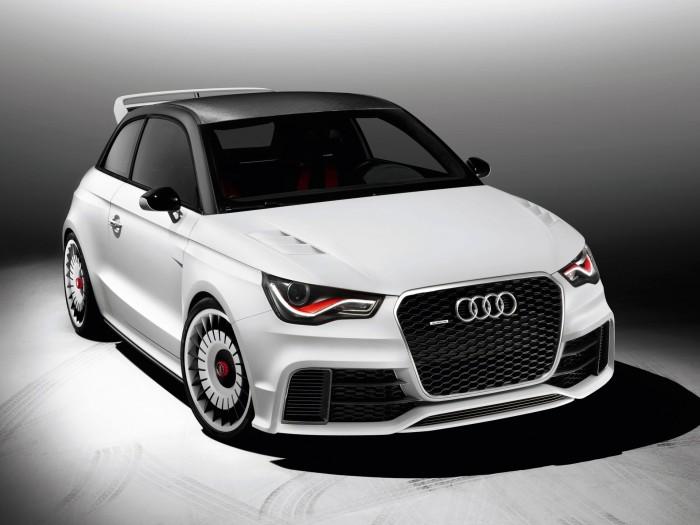 Автомобиль Audi RS1 2017 года