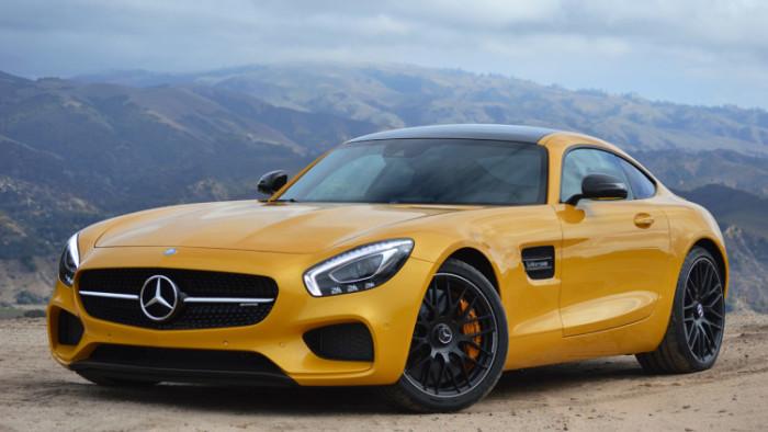 Автомобиль 2016 года: Mercedes AMG GT R