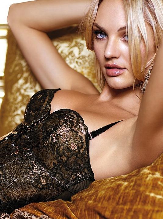 Даутцен Крус и Кэндис Свейнпол в рекламной кампании Victoria's Secret