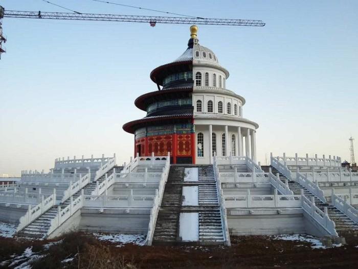 Капитолий и Храм Неба в одном здании