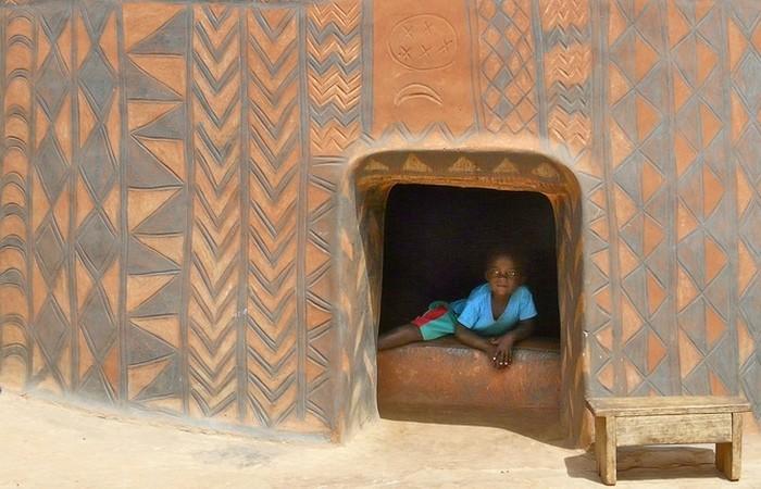 Тьебель – деревня с украшенными домами