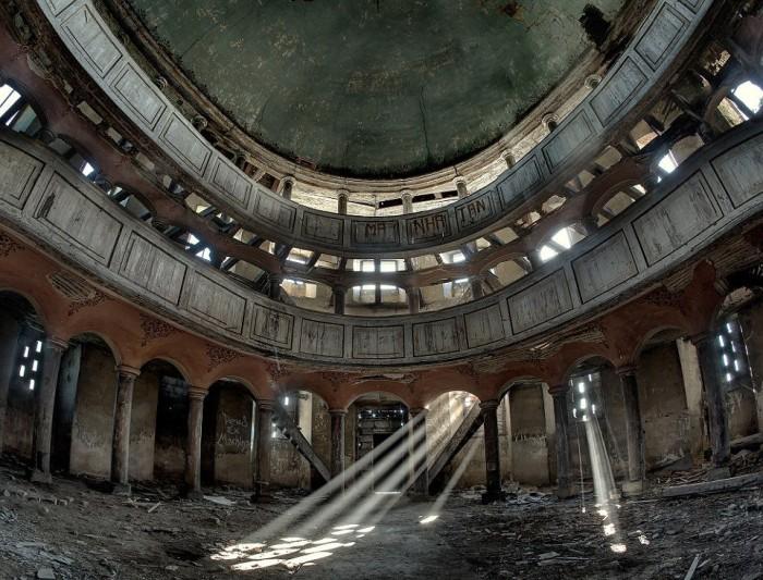 Заброшенные здания и их красота