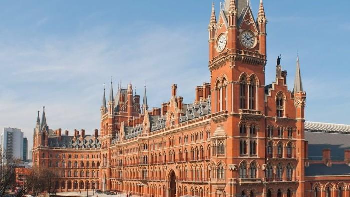 Самый красивый отель Лондона