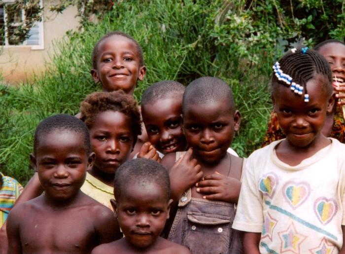 Жизнь до 15 лет жителей Уганды