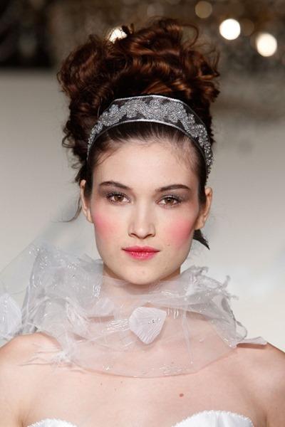 ТОП 20 свадебных причесок 2014 года
