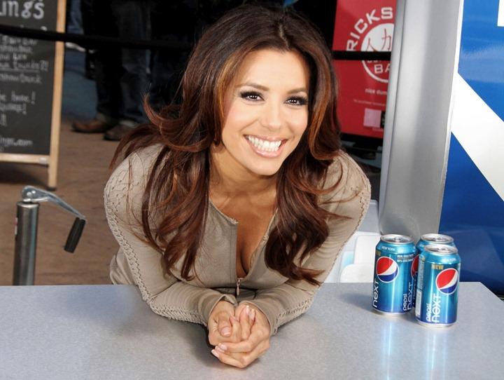 Ева Лонгория в промо акции нового напитка Pepsi
