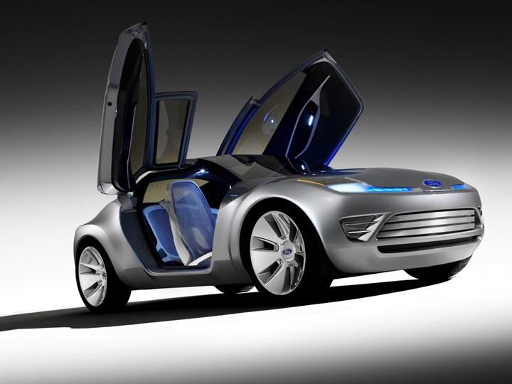Ford Reflex Concept–гибрид с характером