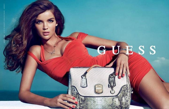 Наташа Барнард в новой рекламной кампании Guess