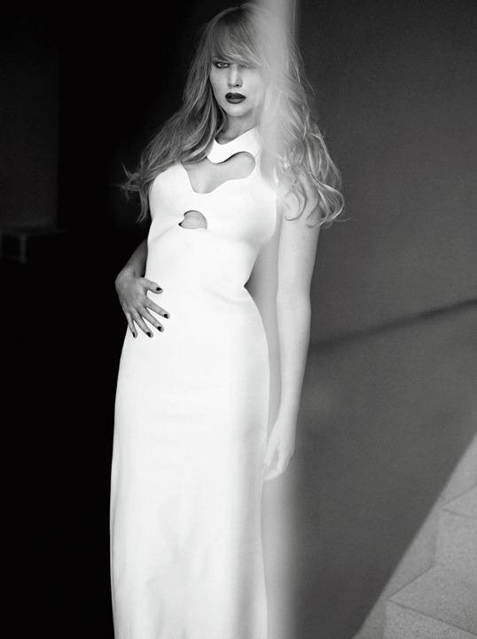 Дженнифер Лоуренс в декабрьском выпуске ELLE