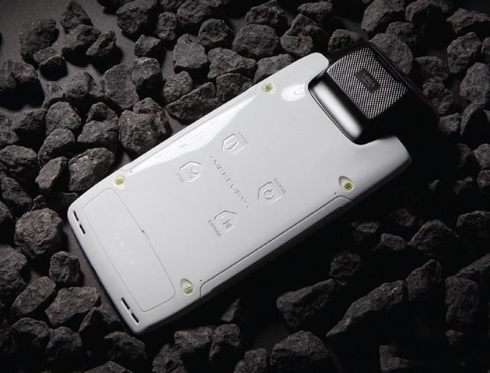 Впервые в мире – смартфон для других планет