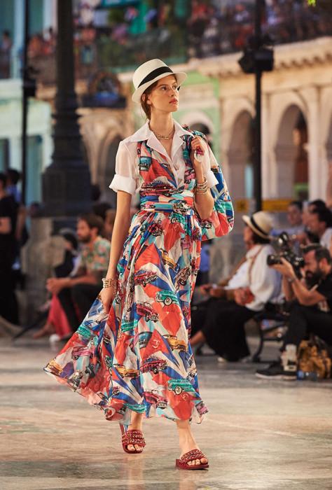Видео: показ Chanel на Кубе