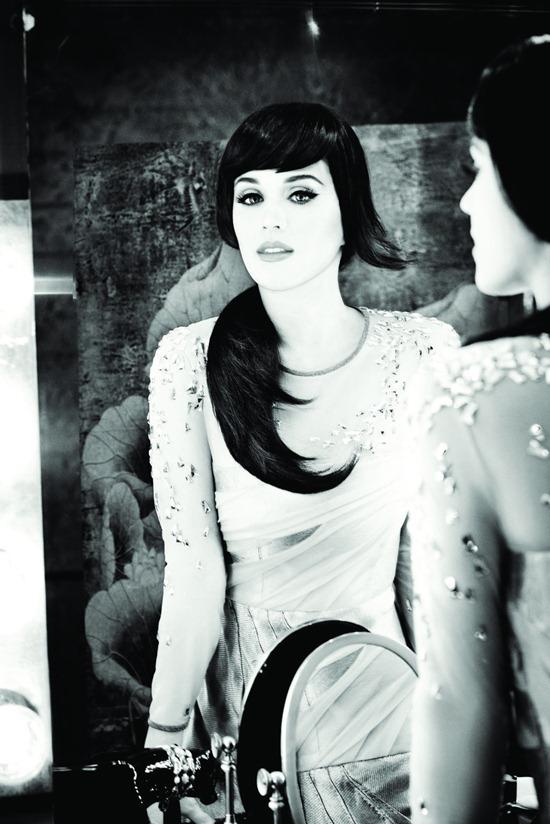 Кэти Перри в фотосессии в стиле 60 х, для бренда GHD