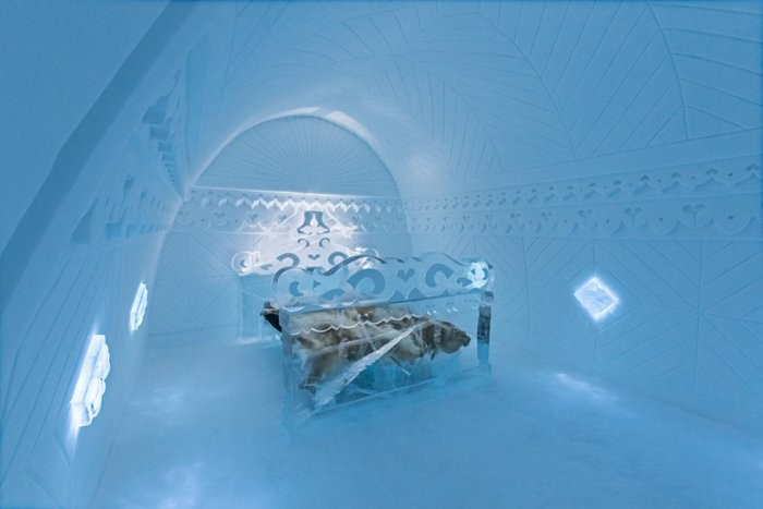 Самый большой отель в мире изо льда