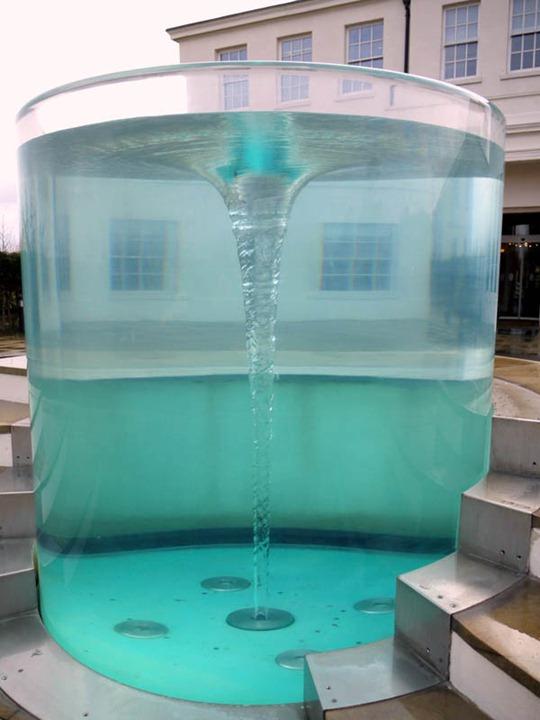 Водная скульптура Уильяма Пайя