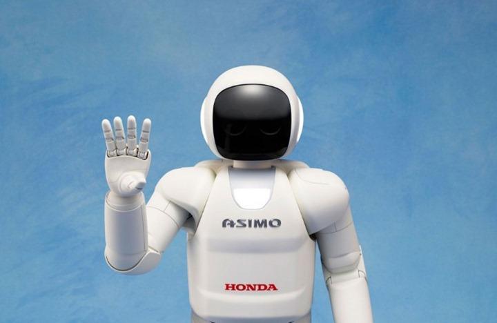 """Новый робот Asimo помогает устранять последствия аварии на """"Фукусиме"""""""