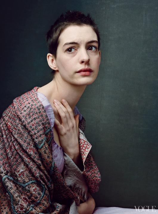 """Герои фильма """"Отверженные"""" в декабрьском выпуске Vogue"""