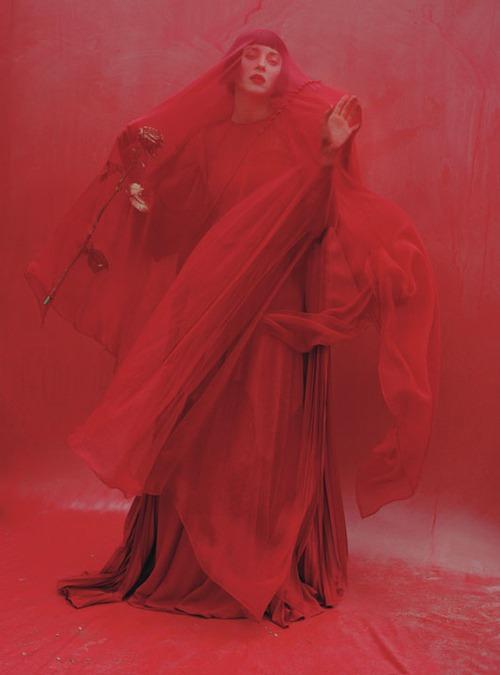 Марион Котийяр для W Magazine