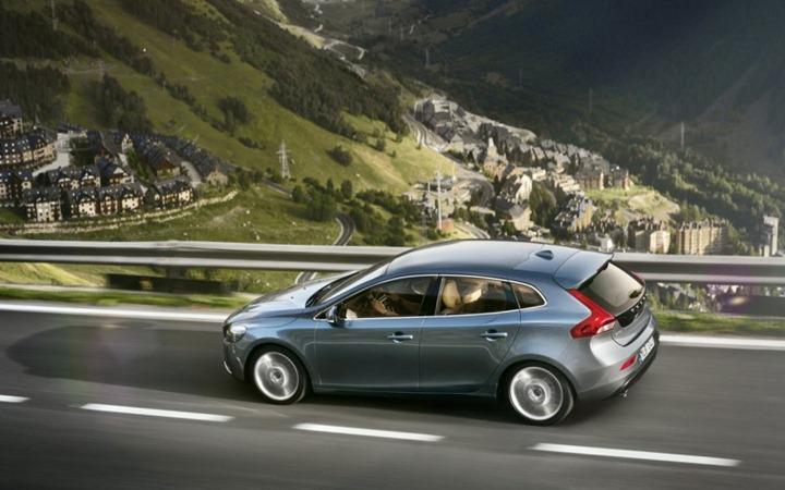 Первые данные о Volvo V40 2012