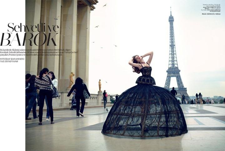 Летиция Каста в ноябрьском Vogue