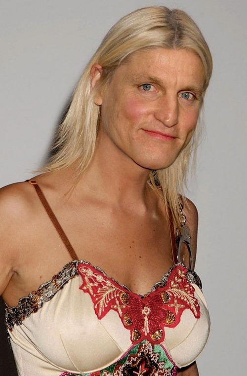 Woody-Harrelson-as-a-Woman--54509