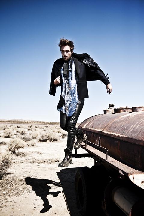 Роберт Паттинсон в фотосессии L'Uomo Vogue