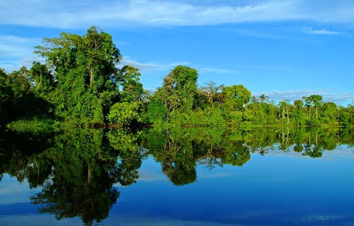 Плавучий отель в Амазонке