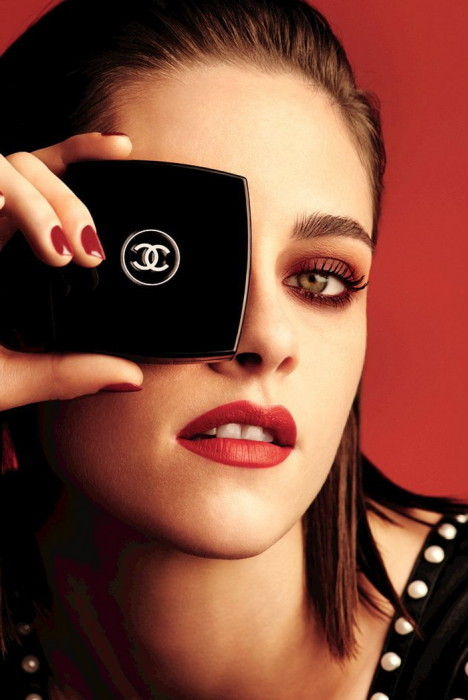 Chanel-Fall-2016-Le-Rouge-Makeup-Collection-1