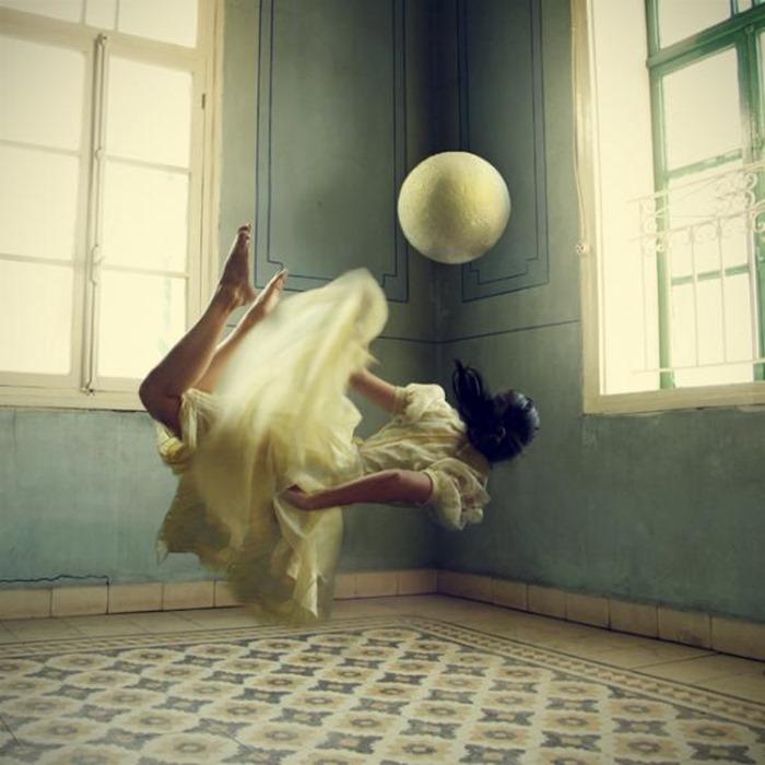 Сюрреалистичные фотографии, Lara Zankoul