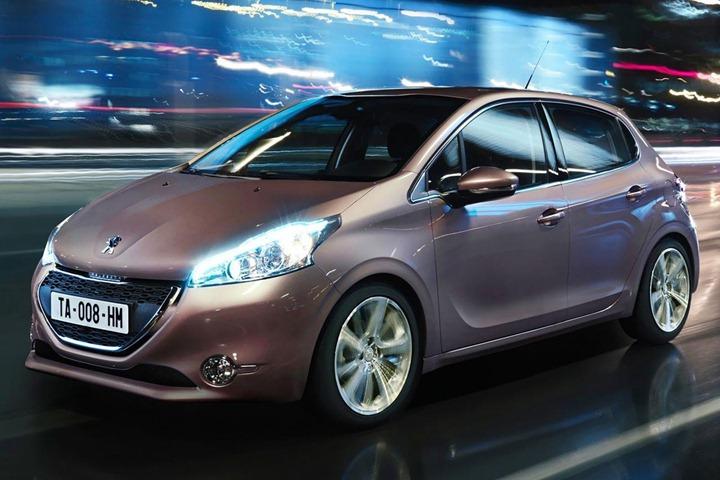 """Новый """"малыш"""" Peugeot 207 2012"""