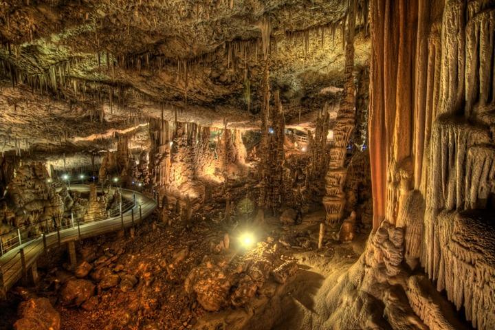 Захватывающая пещера Сорек