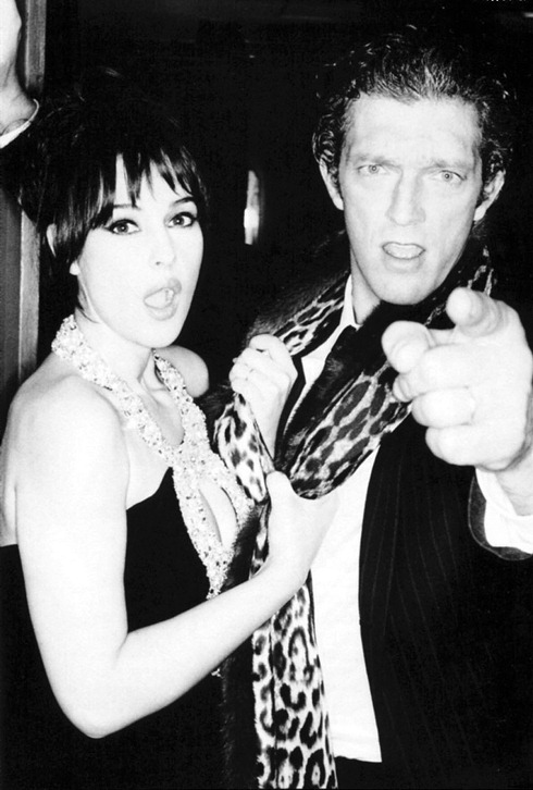 Моника Белуччи и Венсан Кассель в черно белой фотосессии