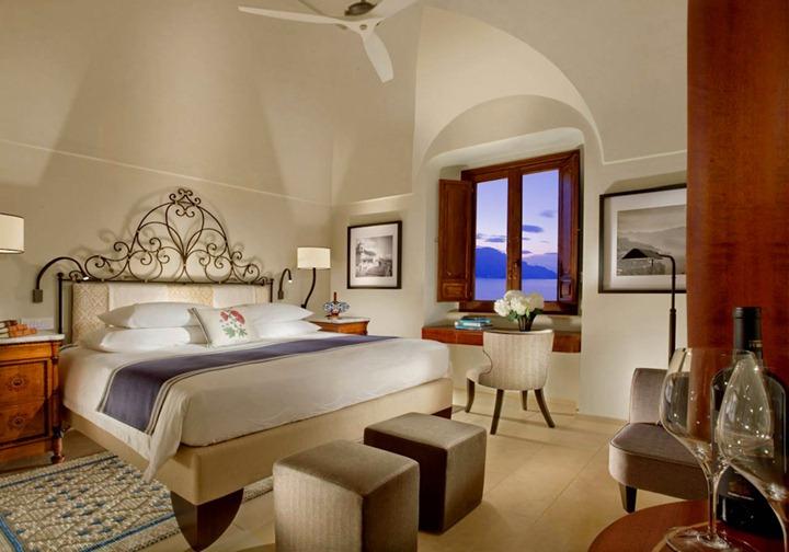 Отель Monastero Santa Rosa в Италии