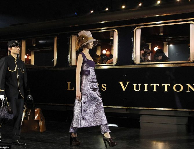 Женские образы Louis Vuitton весна-лето 2017