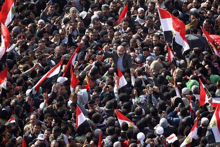 Египтяне собрались, чтобы отметить годовщину восстания