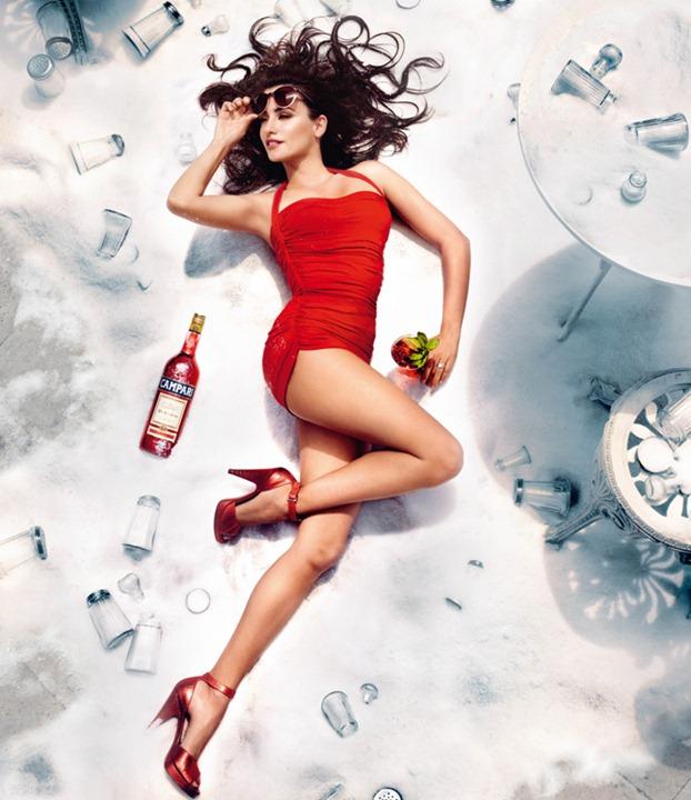 Пенелопа Крус для календаря Campari