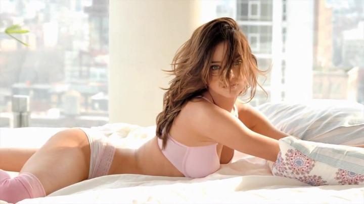 Миранда Керр в рекламном ролике Victorias Secret