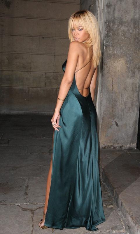 rihanna-stella-mccartney-london-fashion-week-02