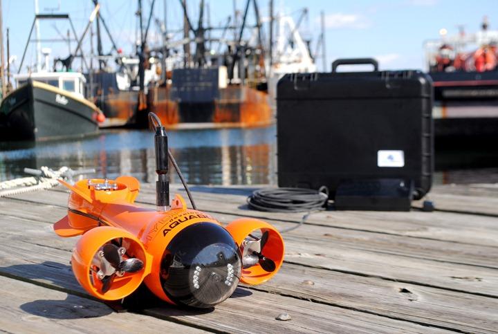 Субмарина на управлении с планшета Aquabotix Hydroview