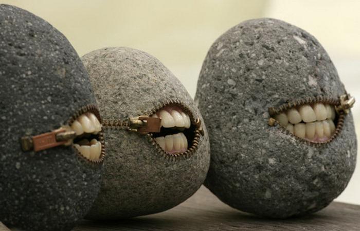 Улыбающиеся камни Хиротоши Ито