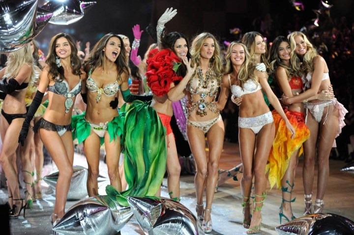 Шоу Victoria's Secret 2012