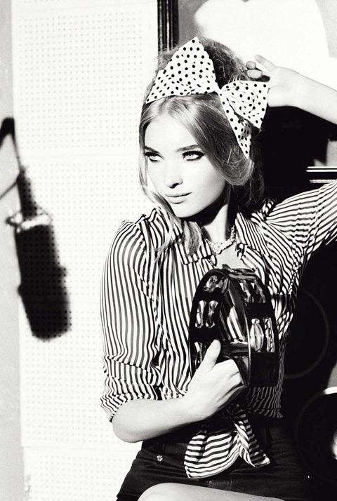 Алисса Миллер и Эльзой Хоск в черно белой фотосессии Эллен фон Унверт