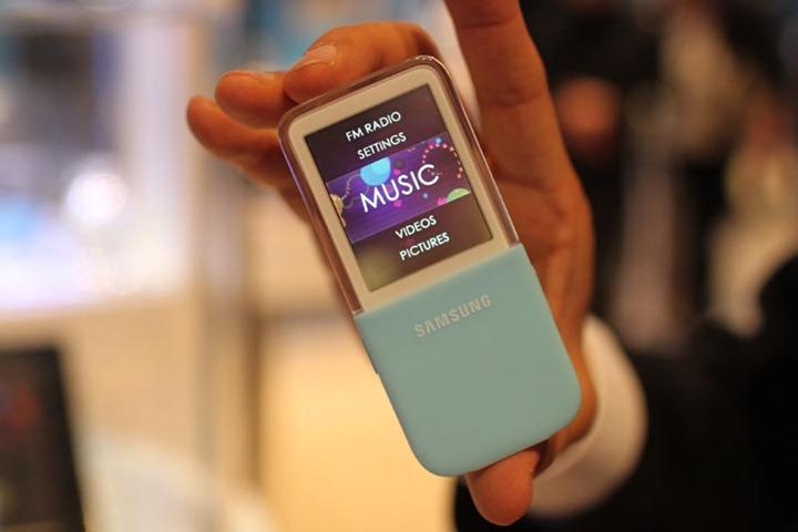 Плеер Samsung с прозрачным дисплеем